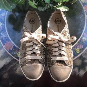 MICHAEL KORS Logo City Fashion Sneakers, Size 9